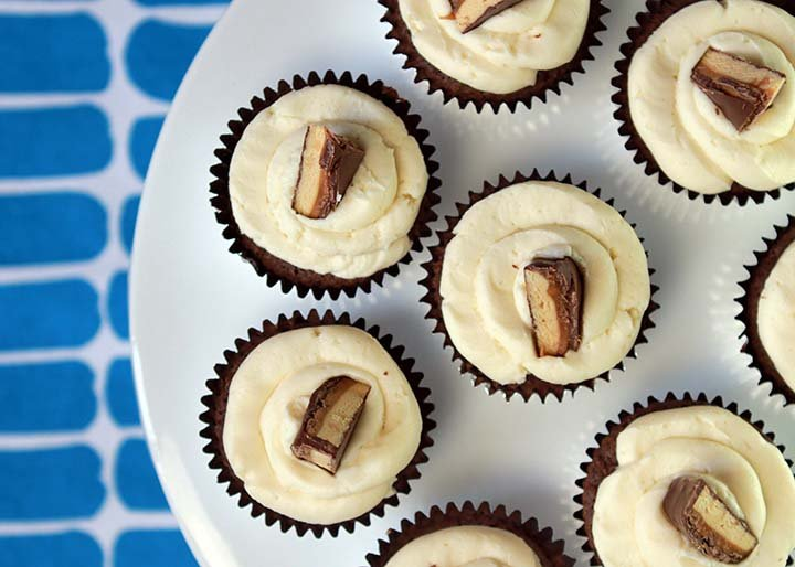 Low Carb Keto Snickers Bar Cupcakes