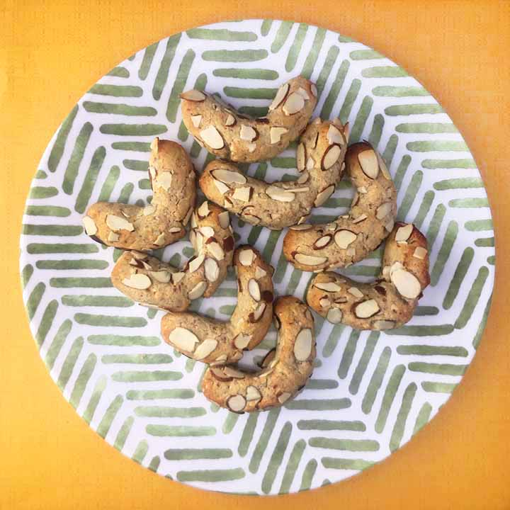 Low Carb Keto Almond Crescent Cookies 2