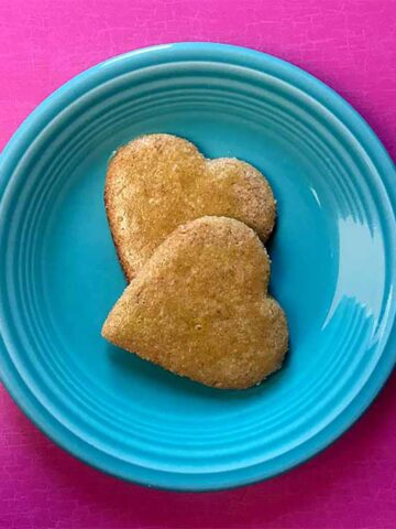 2 Keto Gingerbread Cookie Hearts