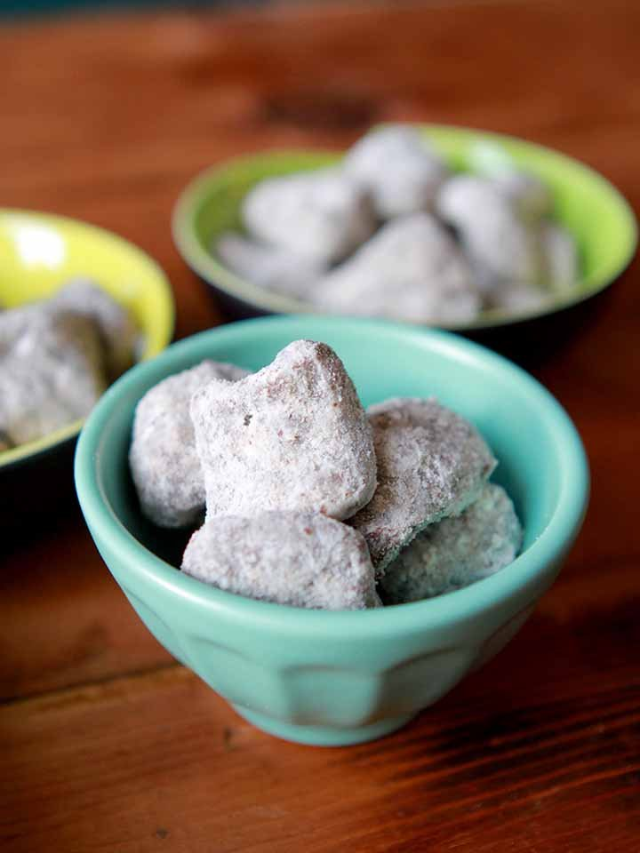 Gluten-Free Muddy Buddies in a blue bowl