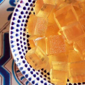Keto Apple Cider Vinegar Gummies in a white and blue bowl